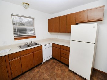 1611 S. Hanover St, Suite 102 2 Beds Apartment for Rent Photo Gallery 1