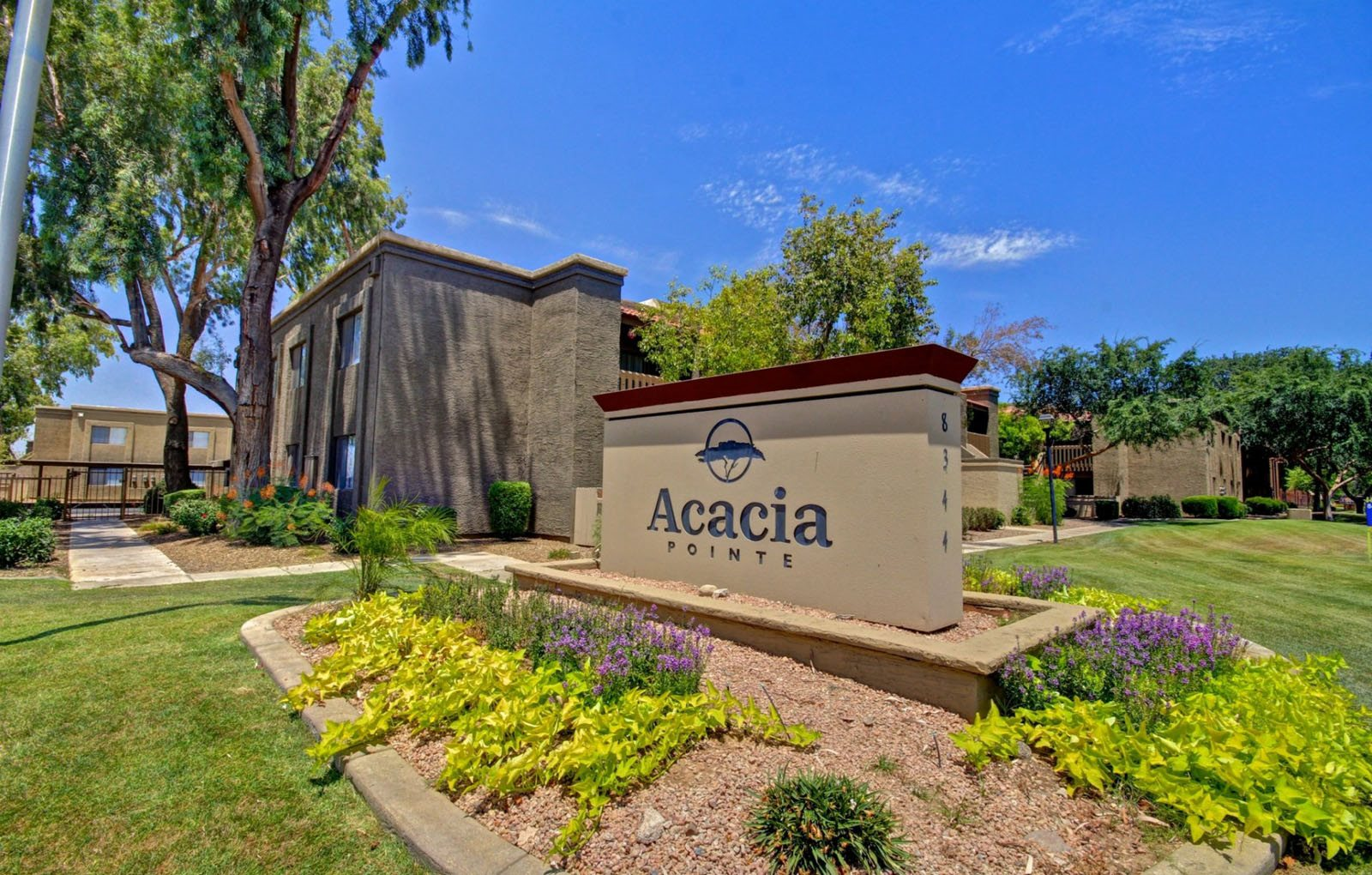 Acacia Pointe Apartments in Glendale, AZ signage