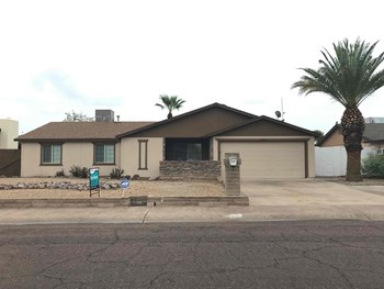 13633 N 20Th Ln 3 Beds House for Rent Photo Gallery 1