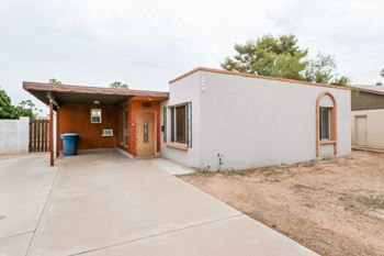 1986 E Harvard Dr 3 Beds House for Rent Photo Gallery 1