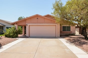 8647 E Fillmore St 3 Beds House for Rent Photo Gallery 1