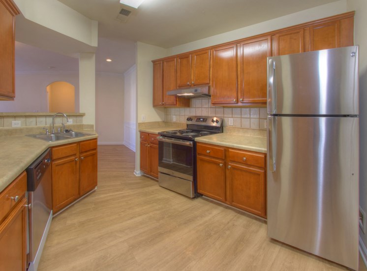 Luxury Apartments in Lithonia| Wesley Kensington Apartments | Stainless Steel Appliances