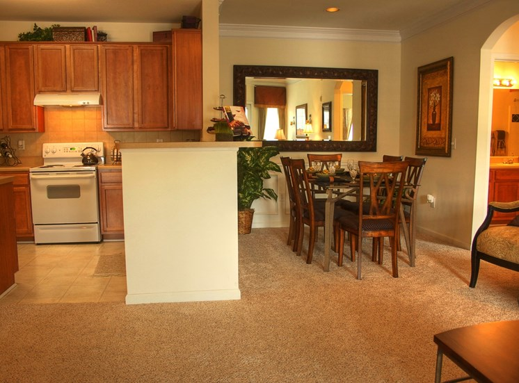 Luxury Apartments in Lithonia| Wesley Providence Apartments | Separate Dinning Space