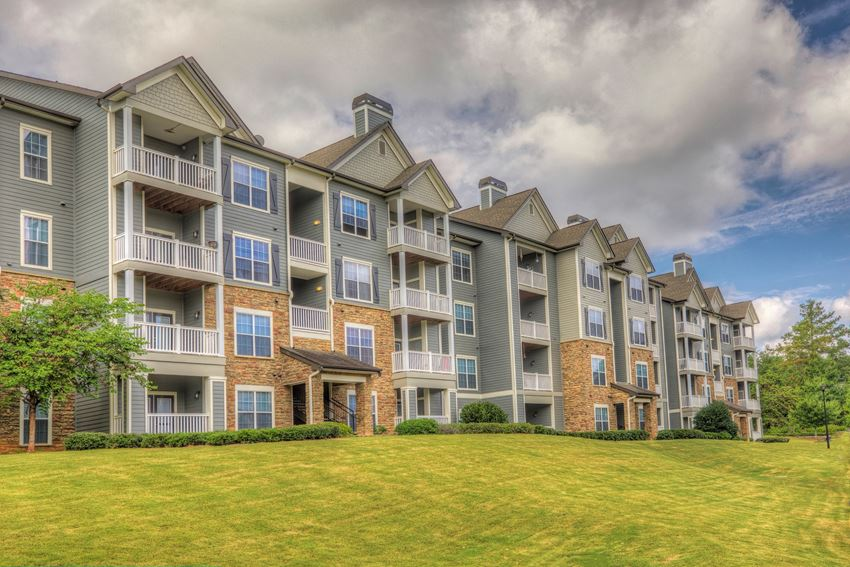 Luxury Apartments in Newnan  Stillwood Farms Apartments   Welcome Home
