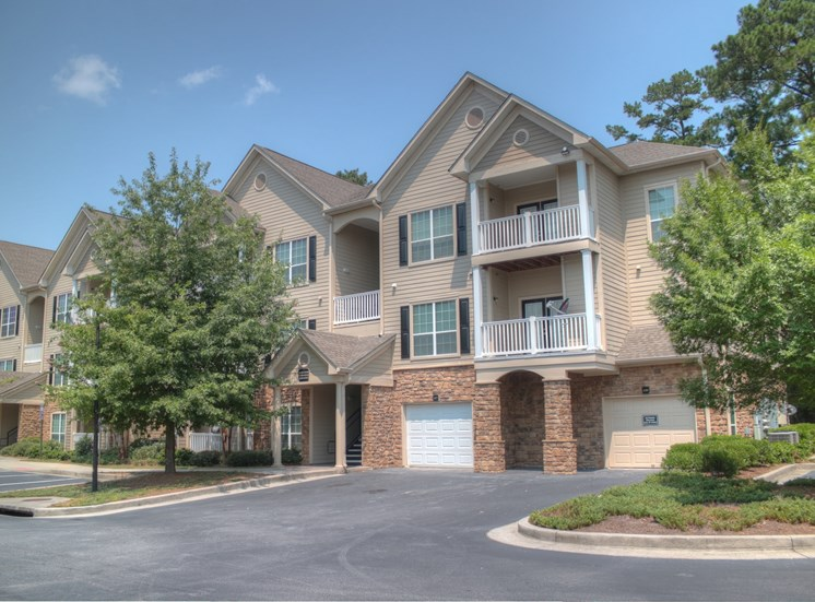 Luxury Apartments in Lithonia| Wesley Stonecrest Apartments | Garages Availability