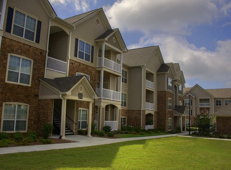 Luxury Apartments in Lithonia| Wesley Stonecrest Apartments | Green Space