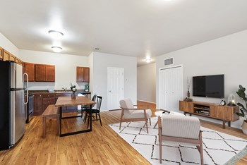 4313 W 58th Street 1-3 Beds Apartment for Rent Photo Gallery 1