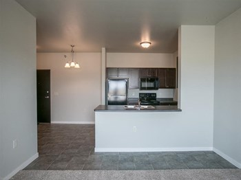 3815 N Potter Avenue 1-3 Beds Apartment for Rent Photo Gallery 1
