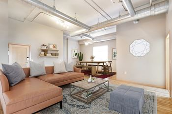 522 N Main Ave 1-2 Beds Apartment for Rent Photo Gallery 1