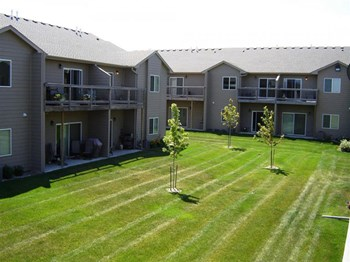 4708 E 6th St #04 1-2 Beds Apartment for Rent Photo Gallery 1