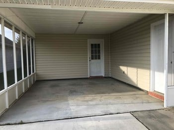 2018 Village Lane 3 Beds House for Rent Photo Gallery 1