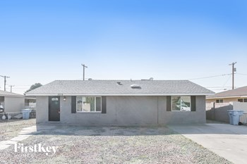 3019 W ELM St 3 Beds House for Rent Photo Gallery 1