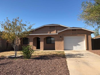 5910 E CALLE MILAGROS 4 Beds House for Rent Photo Gallery 1
