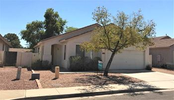 6613 W Lawrence Lane 4 Beds House for Rent Photo Gallery 1