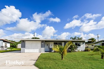 30 Victoria Dr 3 Beds House for Rent Photo Gallery 1