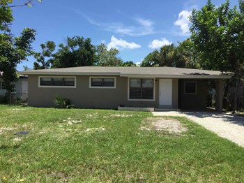 2610 SW 5 St 3 Beds House for Rent Photo Gallery 1