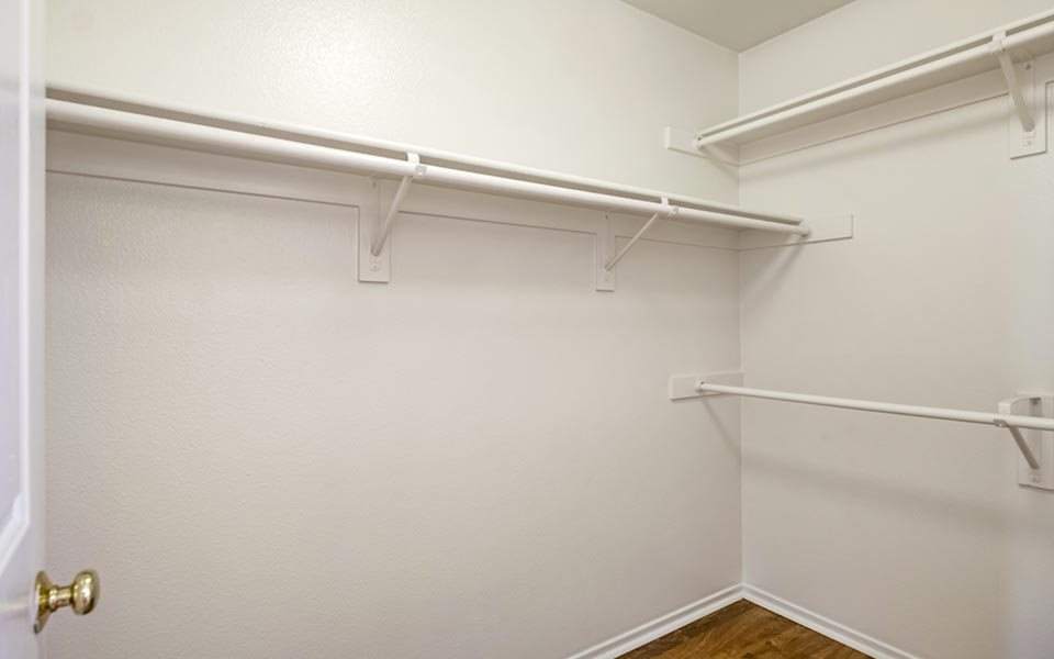 Altimira walk-in closet