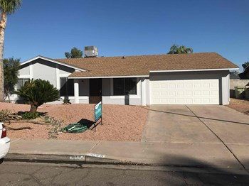 9839 N 45th Ave 4 Beds House for Rent Photo Gallery 1
