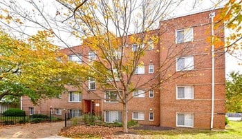 1229 N. Quaker Lane 2 Beds Apartment for Rent Photo Gallery 1