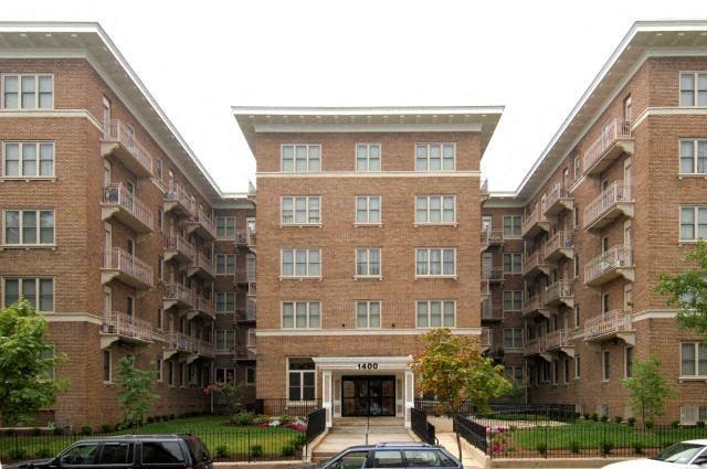 Fairmont Apartments's grand front entrance