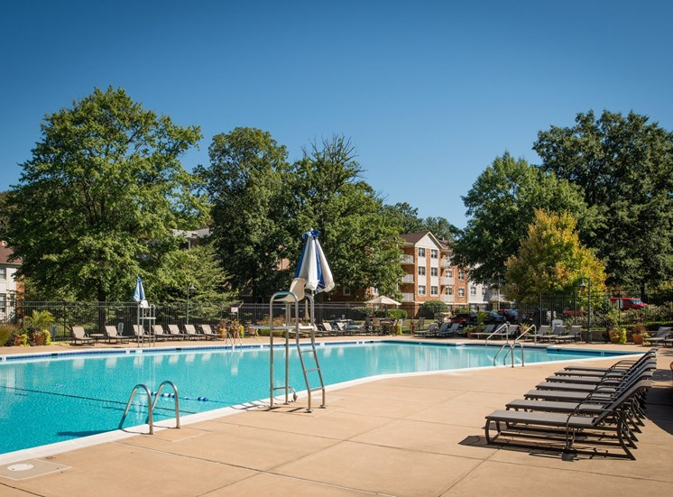 Swimming Pool with Sundeck Area at Amberleigh apartments in Fairfax, Virginia 22031