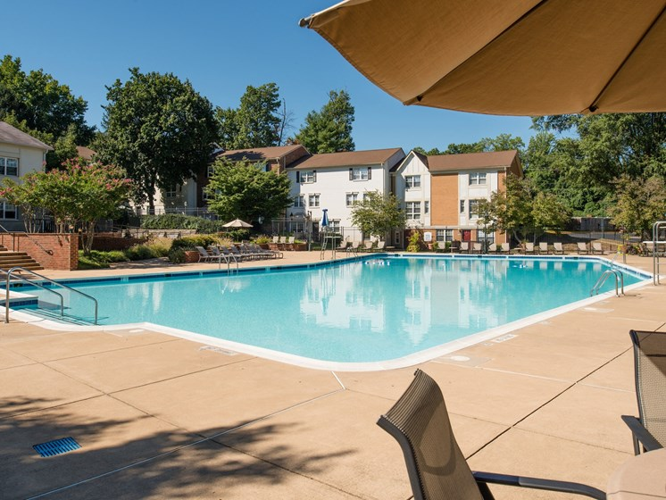 Swimming Pool and Sundeck area at Amberleigh apartments in Fairfax, Virginia 22031