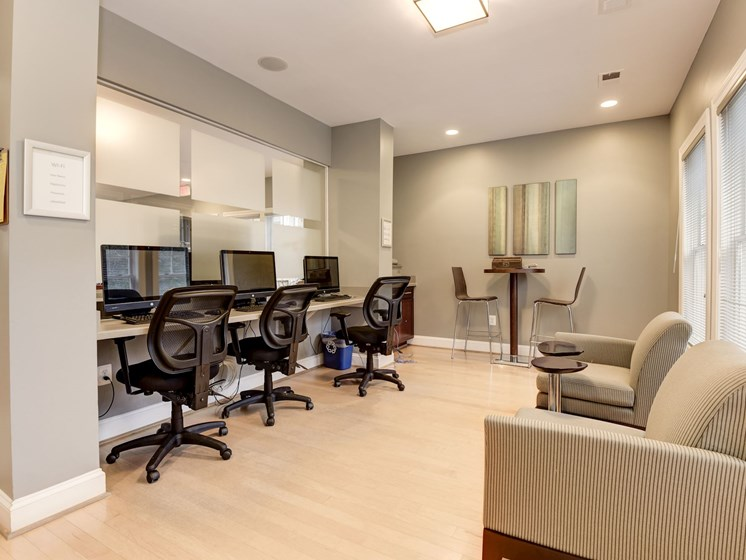 Business Center with WiFi and computers at The Edgemoore apartments in Alexandria, VA 22315