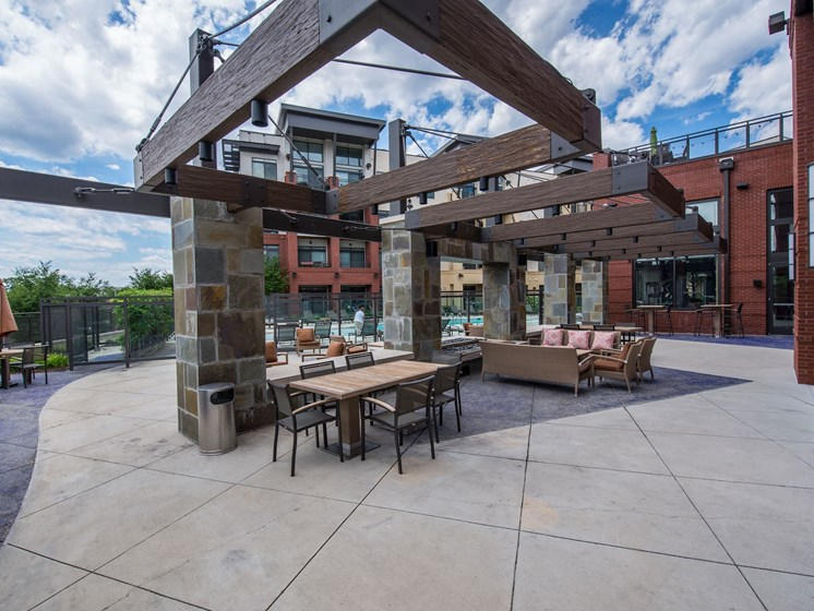Entertainment Lounge By Pool at Flats at Atlas, Washington