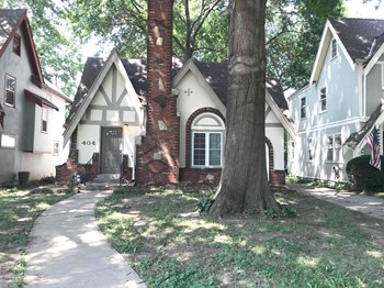 404 E 75 St 3 Beds House for Rent Photo Gallery 1