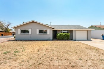 1561 E CLOVER 3 Beds House for Rent Photo Gallery 1