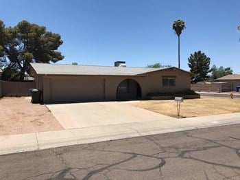 4535 W Shaw Butte Dr 4 Beds House for Rent Photo Gallery 1