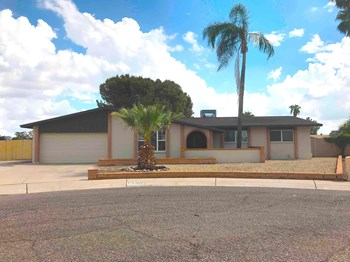4809 W Laurel Ln 4 Beds House for Rent Photo Gallery 1