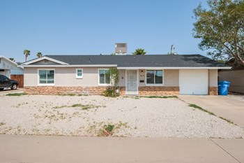 9819 N 18th Ave 3 Beds House for Rent Photo Gallery 1