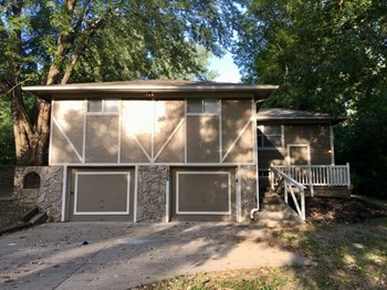 1806 N Davidson Rd 3 Beds House for Rent Photo Gallery 1