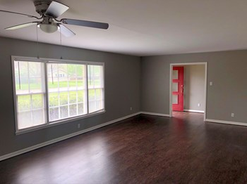 618 Hawthorne Street 3 Beds House for Rent Photo Gallery 1