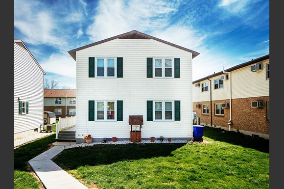 Outdoor Es At St Clair Terrace Maryland 21742