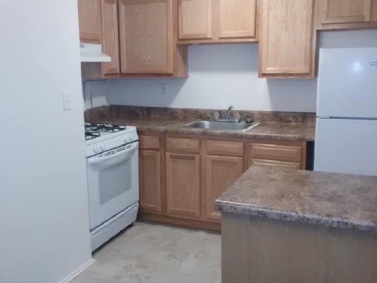 Fully Furnished Kitchen at Barrington Woods, Virginia