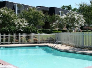 1010 W. Monroe Street 1-3 Beds Apartment for Rent Photo Gallery 1