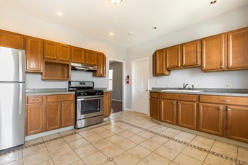66 West 15th Street 2 Beds House for Rent Photo Gallery 1