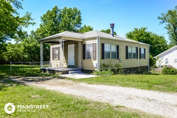 937 8th St 3 Beds House for Rent Photo Gallery 1
