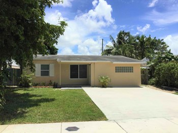 400 NW 53 Ct 3 Beds House for Rent Photo Gallery 1