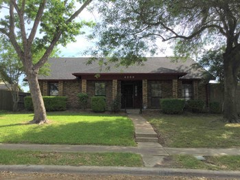 4200 Wayfaring St 4 Beds House for Rent Photo Gallery 1