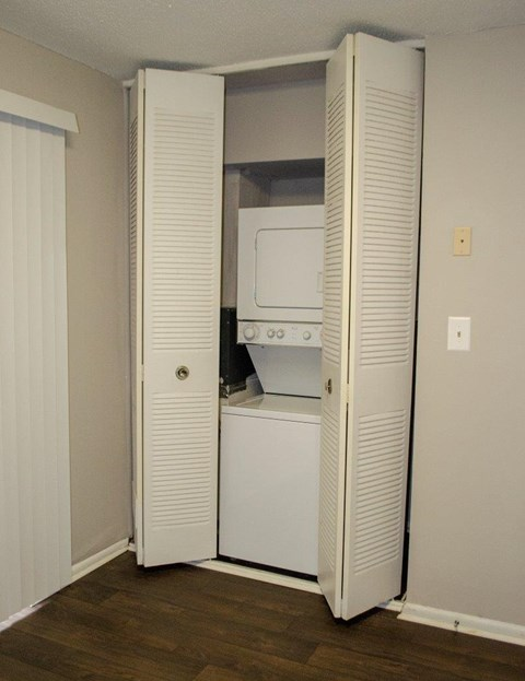 Bella Vista Apartmnewly renovated pet-friendly pet friendly apartments now leasing charlotteents renovated gastonia nc charlotte pet friendly pool playground affordable Bella Vista