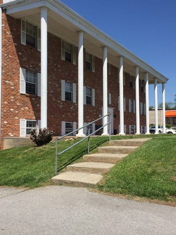 826 and 840 Hardy Road 1-2 Beds Apartment for Rent Photo Gallery 1