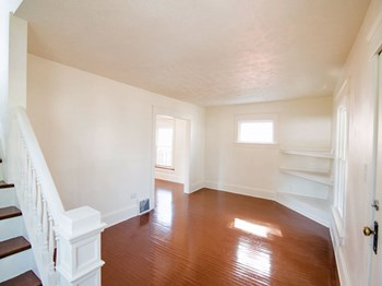 2236 23rd St. SW 3 Beds House for Rent Photo Gallery 1
