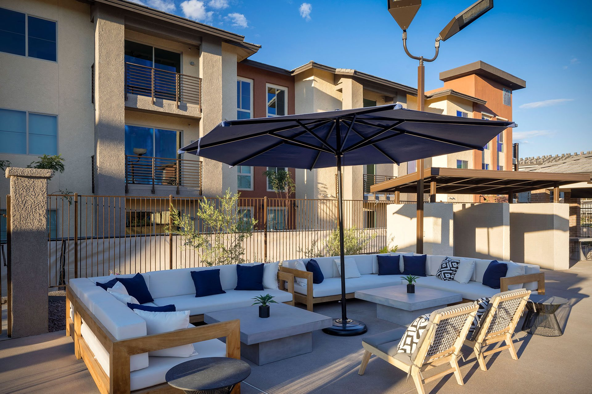 TheWell_Clubhouse_OutdoorLounges