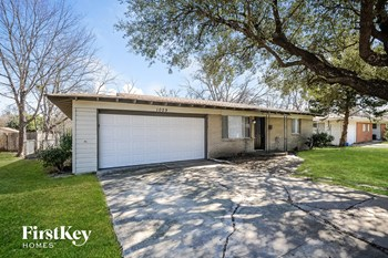 1029 Usher St 3 Beds House for Rent Photo Gallery 1
