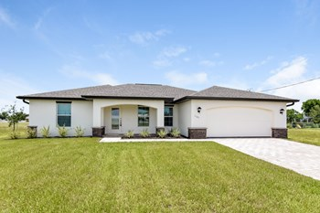 1101 NW 20 St 4 Beds House for Rent Photo Gallery 1