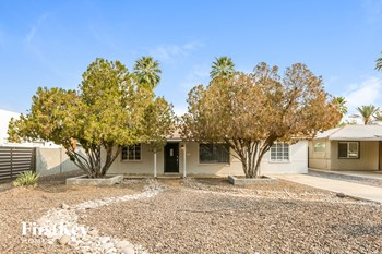 2226 E WELDON Avenue 3 Beds House for Rent Photo Gallery 1