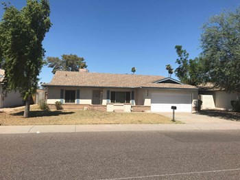 5042 W CHRISTY Dr 3 Beds House for Rent Photo Gallery 1